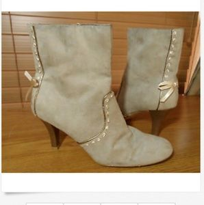 PREDICTIONS Heeled Boots with Bows 9 Light brown
